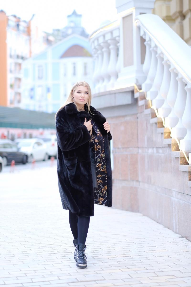 Fur coat 01-05-618- SBV