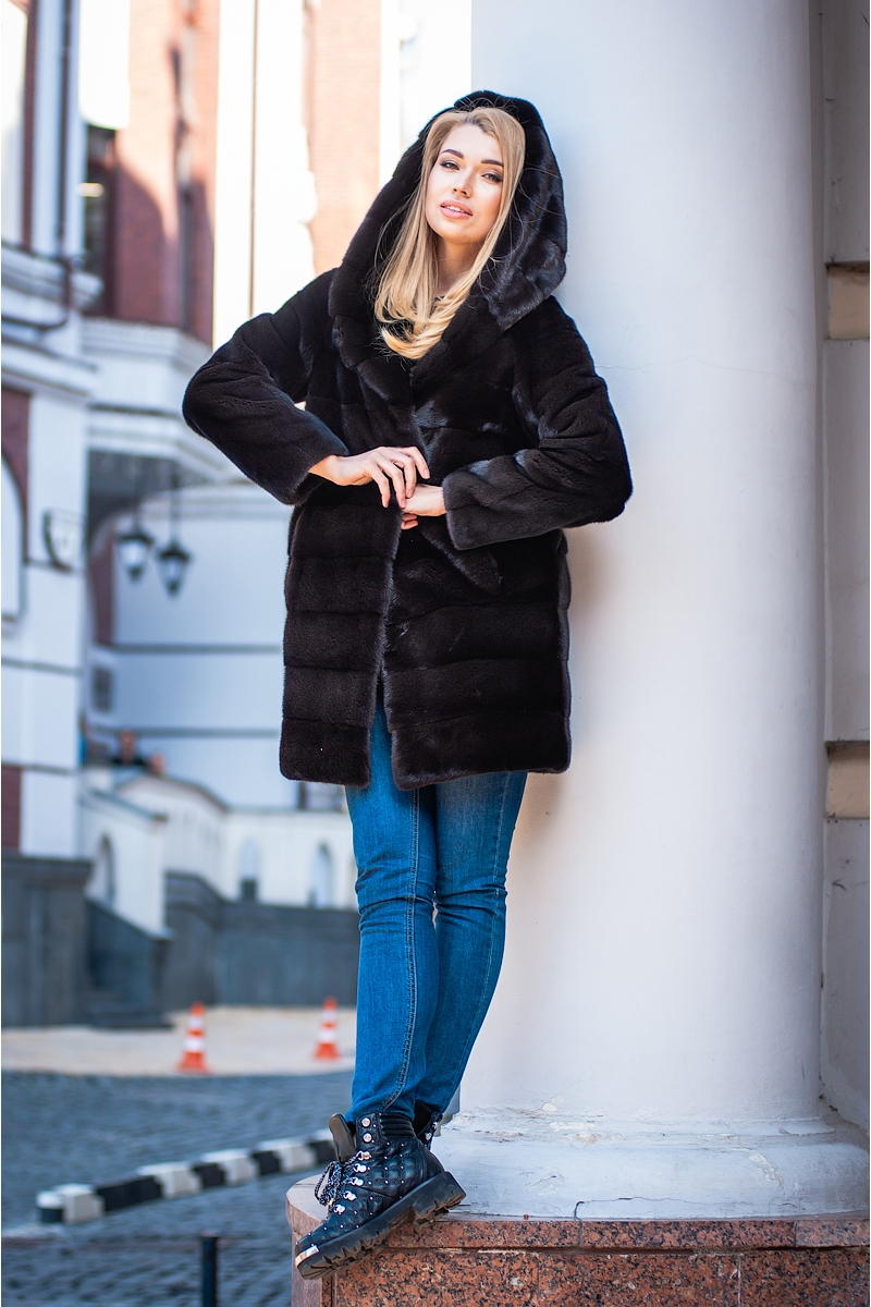 Fur coat 01-05-515 02- SBV