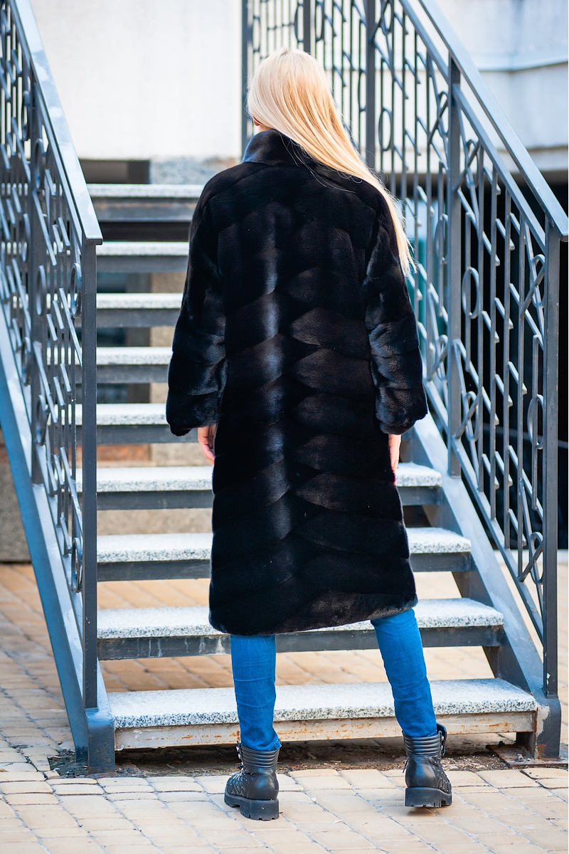 Fur coat 01-05-551 01- SBV